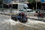 Bangkok Floods 2011- Nawamin area - 1 November 2011