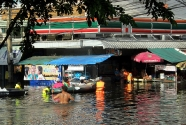 Bangkok Floods 2011 - Pinklao Bridge area - 30 October 2011