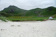 Figure-14-Haukland-Beach-view-to-the-mountains