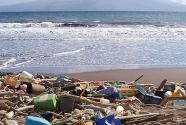 Honolulu-beach-trash-NOAA