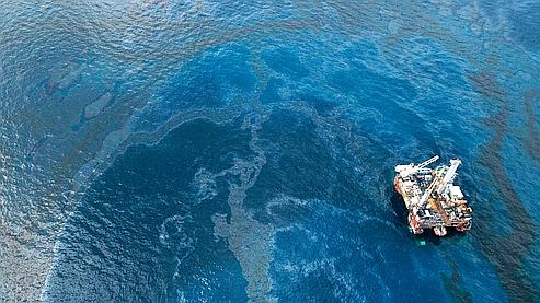 US opens criminal investigation into oil spill