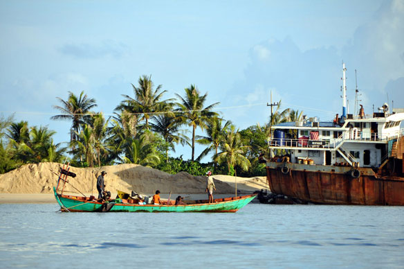 CAMBODIA: Sand dredging prompts fishermen's protests