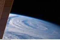 Island evacuations start as Hurricane Earl nears East Coast