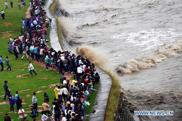 Famous Qiantang River Tidal Bore in China | Coastal Care
