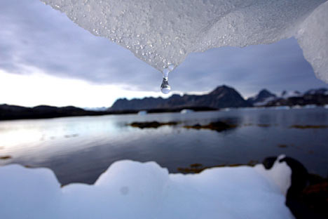 Underwater Robot to Explore Antarctic Ice Shelf