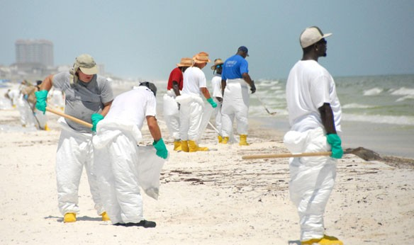 oil-clean-up-workers