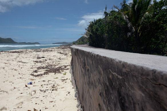 seychelles-stone-wall