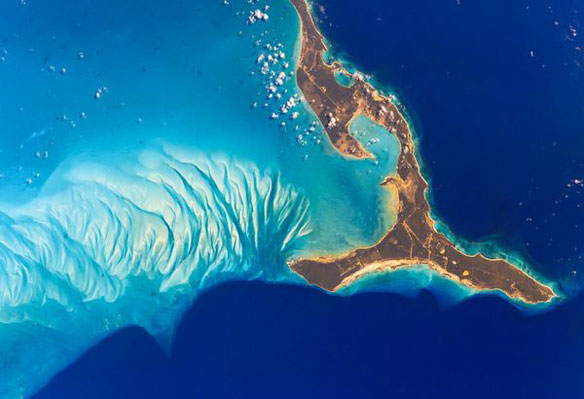 Seismic Shift? As Bahamas islands Sink, One Island Mysteriously Rises