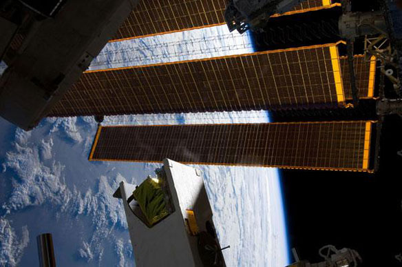 Space Station Gets Unprecedented Views of Earth Coasts