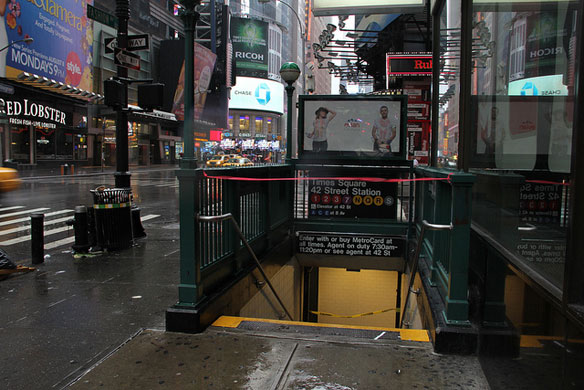 NYC appears to escape the worst as Irene roars in
