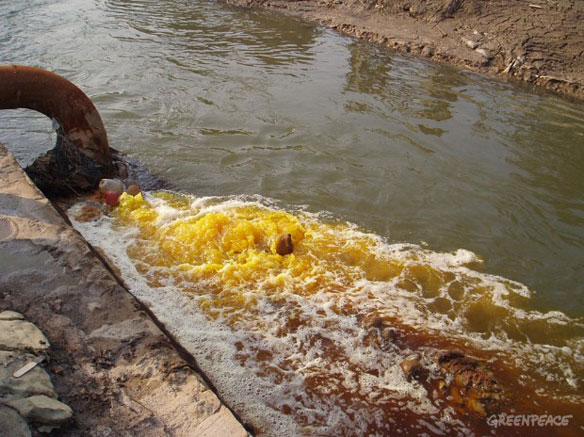 China solar company pledges toxic waste cleanup