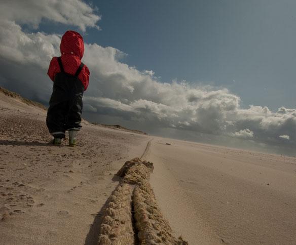 child-at-the-beach