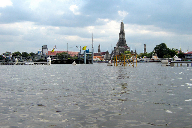 Floods show what lies ahead for sinking Bangkok