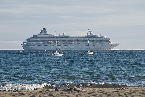 EPA Bans Sewage Discharge From Cruise Ships