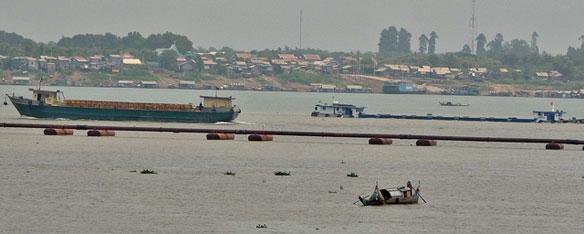 mekong-sand-barge