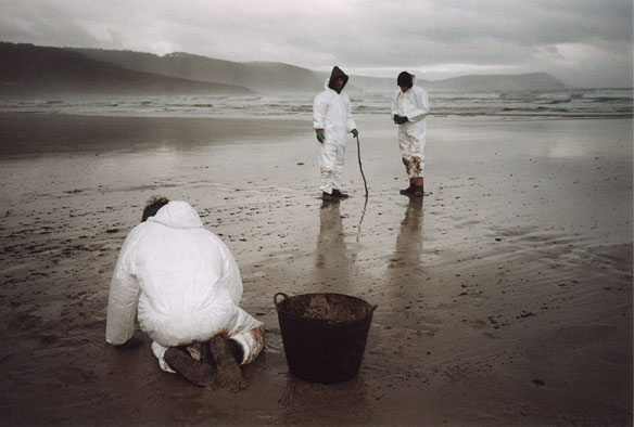 prestige-oil-spill-cleanup