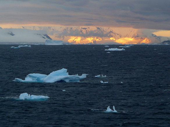 Greenland, Antarctica Ice Melt Speeding Up, Study Finds