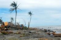 Aid Efforts Begin After Typhoon Haiyan Kills 10,000 in Philippines