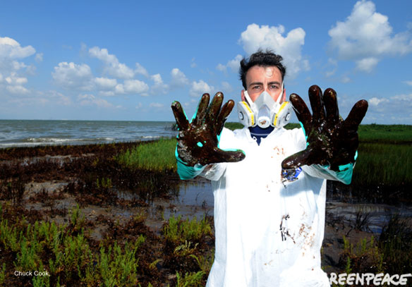 greenpeace-hands-in-bp-oil