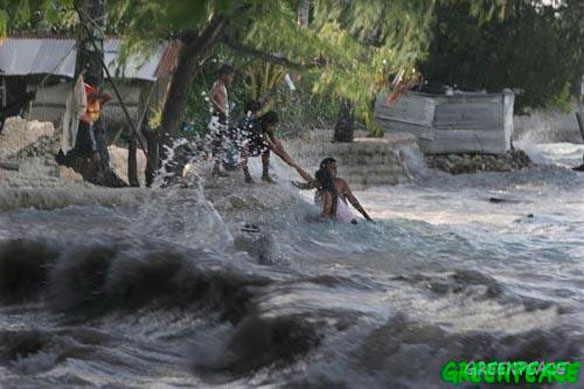 Climate Refugees: Kiribati, Video