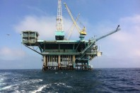 Offshore drilling creates these new dangers onshore, environmental report says