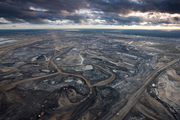 Canada Approves Northern Gateway Oil Pipeline To Pacific Coast