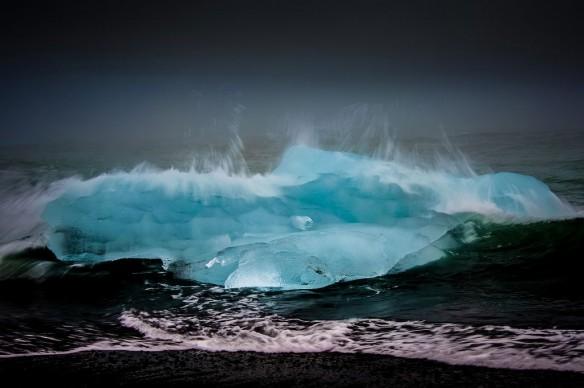 wave-ice-iceland