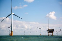 Using Advanced Technology, World's Largest Offshore Wind Farm Opens Off English Coast