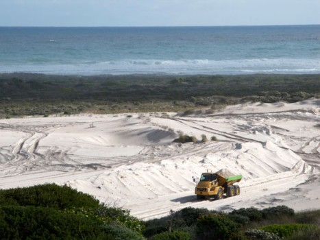 sand-mining-south-africa-denis-delestrac