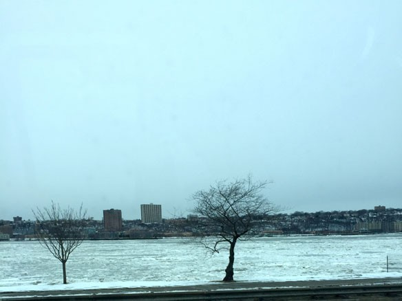 hudson-river-frozen