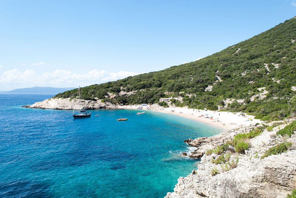 Croatian Dilemma: Oil in the Adriatic, or Tourism