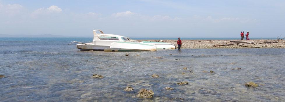 Isla-Arena-Gal-boat