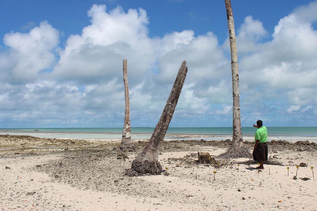 Kiribati Family 'Terrified' of Going Home