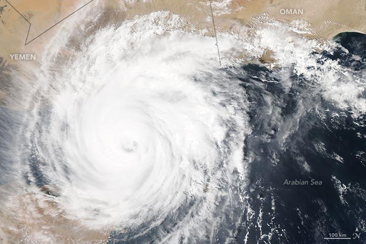 Chapala to Make Landfall in Yemen as First Hurricane-Strength Cyclone on Record