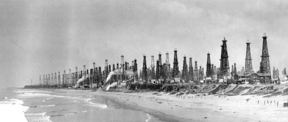 huttington-oil-derricks