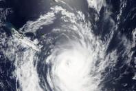 Cyclone Ula tracks away from Vanuatu and towards NZ