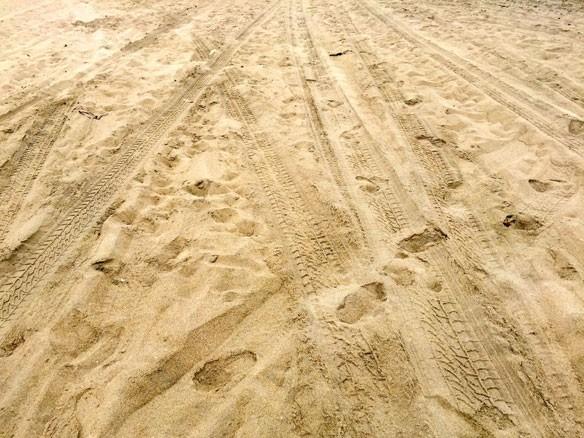 sand-tracks