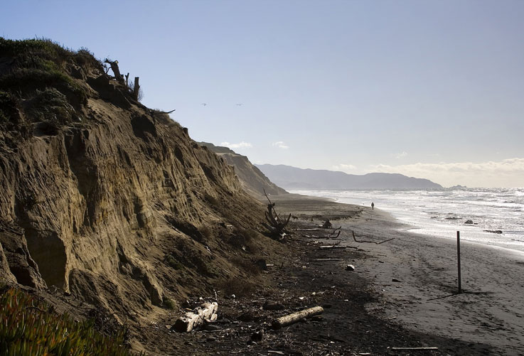 State sued over sand mining in San Francisco Bay, California