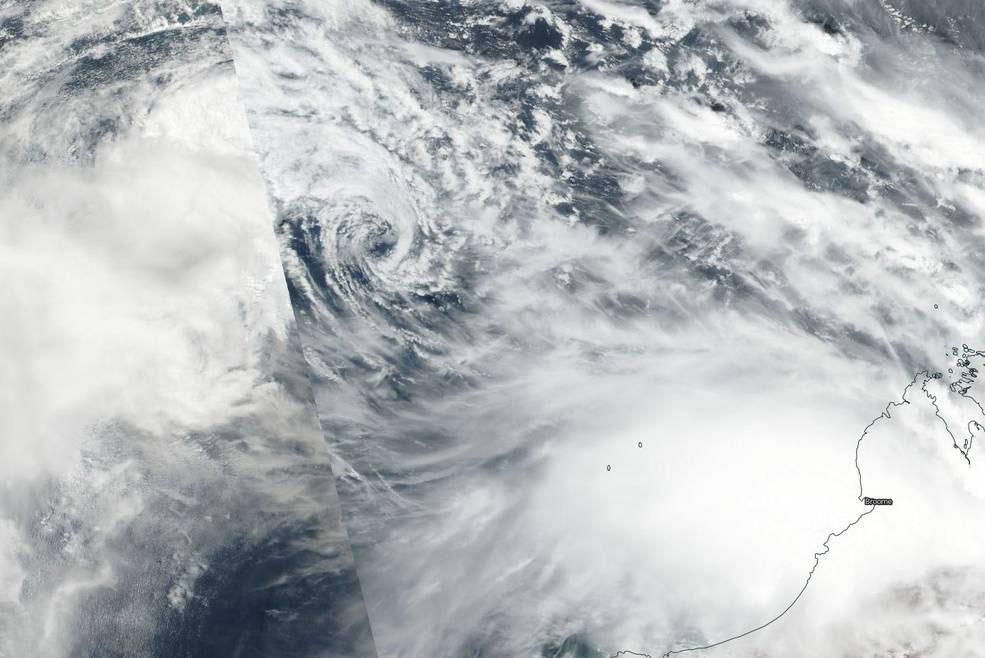 Tropical cyclone Yvette forecast to hit Western Australian coast