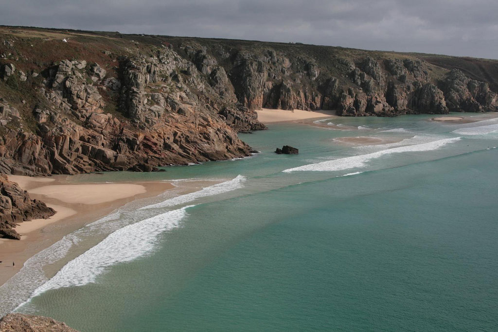 23 of the cleanest beaches to visit in Cornwall this summer, UK