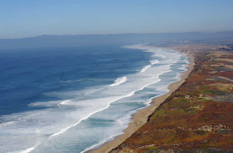 Sewage spill closes eight Monterey beaches, CA