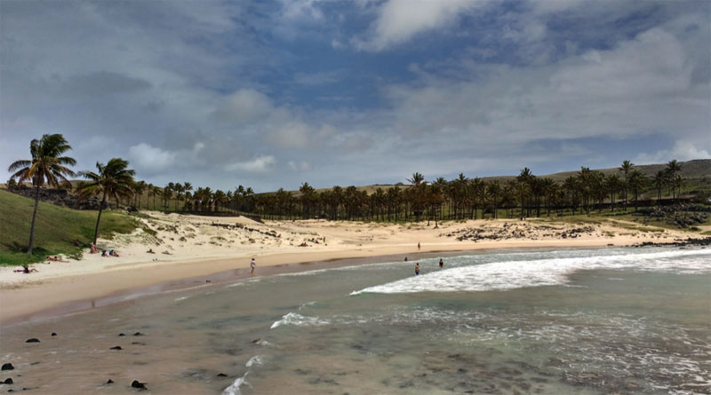 Te Pito O Te Henua shore (Rapa Nui or Easter Island): a remote and mysterious place with rare beaches; By Nelson Rangel-Buitrago, William J. Neal & Adriana Gracia