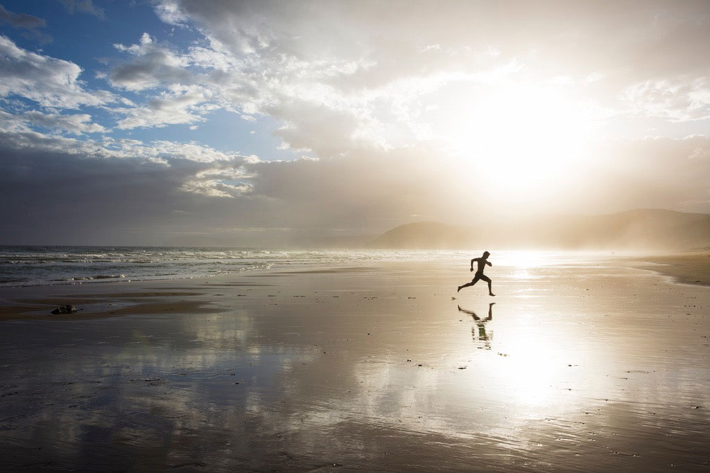 How Running on the Beach Can Boost Your Performance