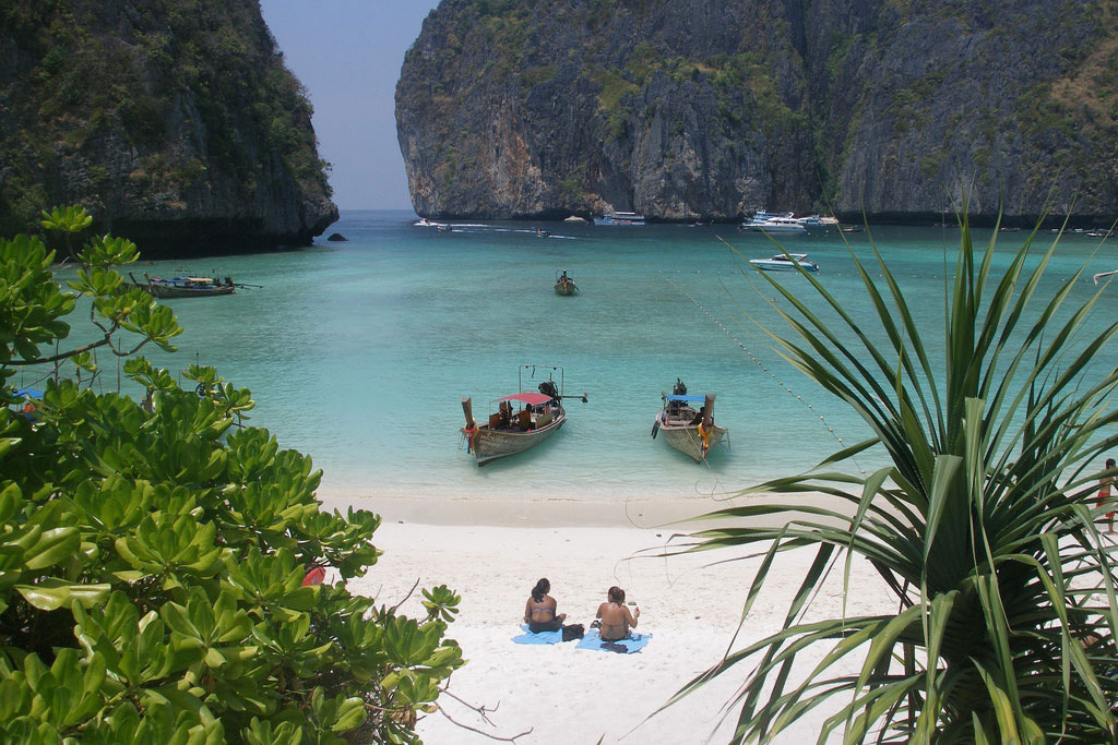Thailand bay made popular by 'The Beach' closes indefinitely