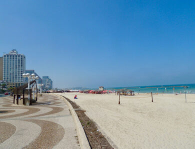Israeli scientists work to save the country's coastline from rising tides